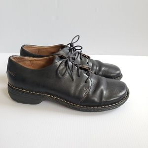 Rockport Womens Black Leather Oxford Flats